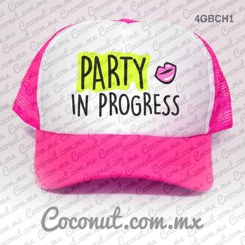 "Gorra estampada ""Party in progress"" Cute"