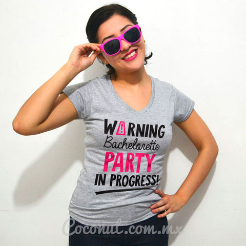 "Blusa ""Warning bachelorette party in progress"""