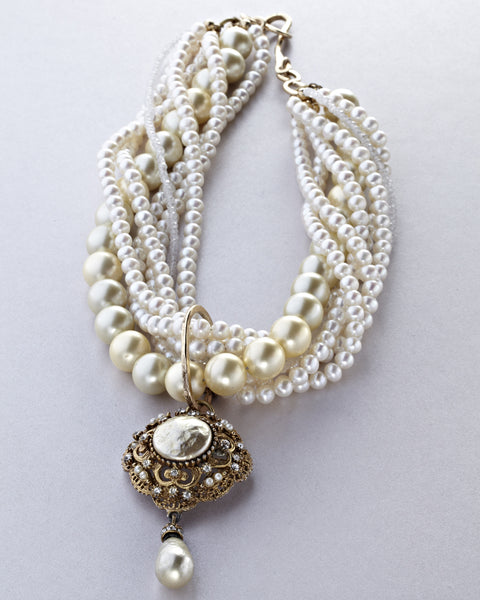Baroque Pearls with Cream Haskell