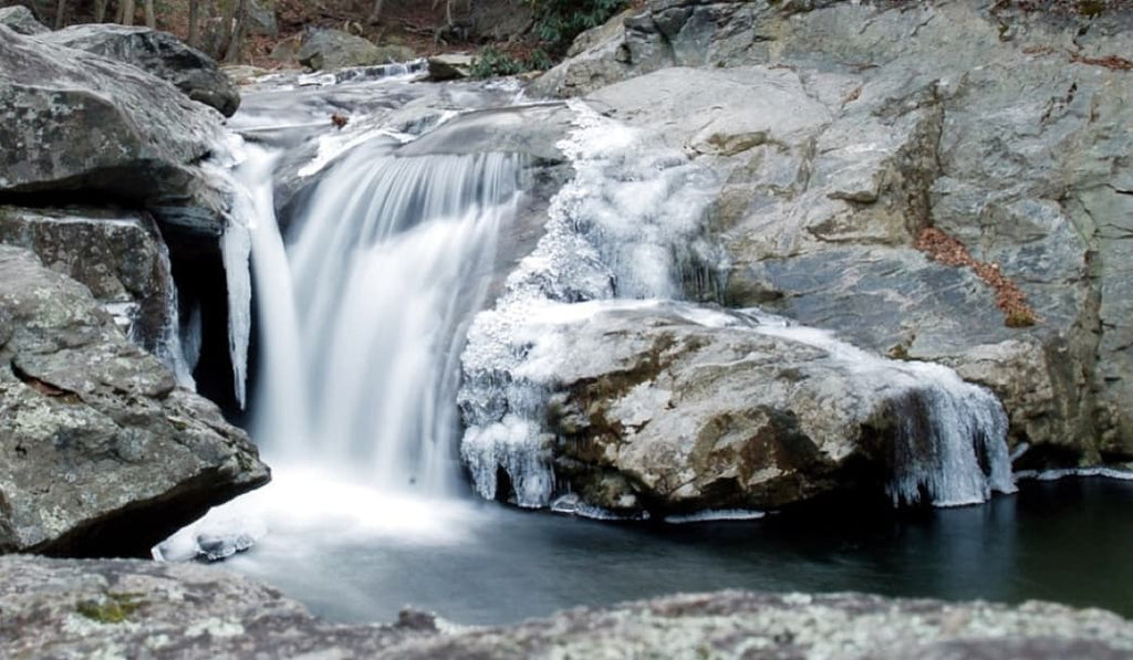 4 Frozen Waterfalls To Explore in Western Carolina this Winter