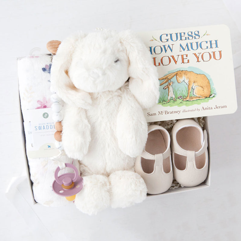 gifts for new moms, baby girl gifts, luxury mom gifts, new mom new baby gift boxes, best gifts for new moms, mom and baby gift set, gift ideas for moms, new baby gift box