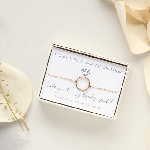 bridesmaid proposal ideas, best bridesmaid gifts, curated bridesmaid gift boxes, luxury bridesmaid gifts, be my bridesmaid, maid of honor proposals, bridesmaid jewelry, personalized champagne flutes, wedding party gifts, unique bridesmaid gift ideas