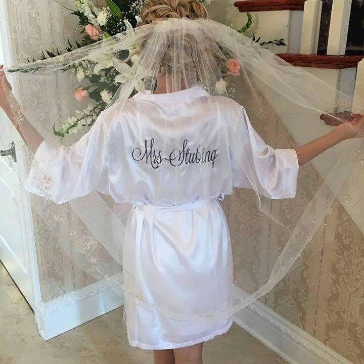monogrammed bridal robes, wedding morning satin robes, Personalized Embroidered Satin Robe, bridal shower gifts