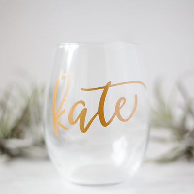 personalized wine glasses, unique wine gifts, best wine lover gifts, wine lover gift ideas, personalized gifts for her, gifts for wife, best friend, sister, mom, calligraphy wine glasses, painted wine glasses