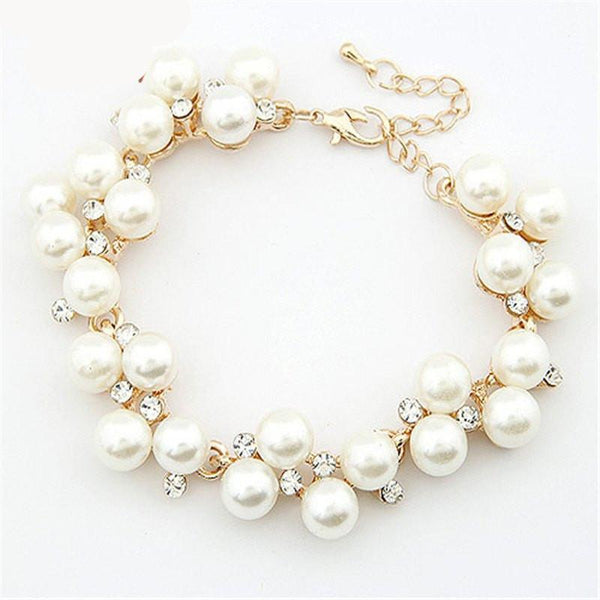 Beautiful Pearl and Crystal Bracelet
