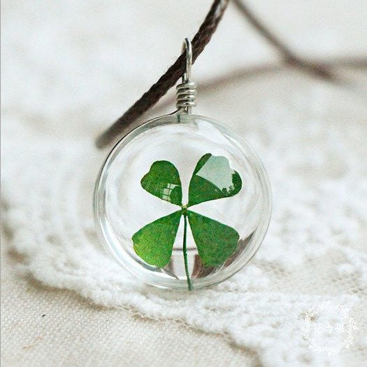 Glass Pendant Clover Necklace with Leather Chain