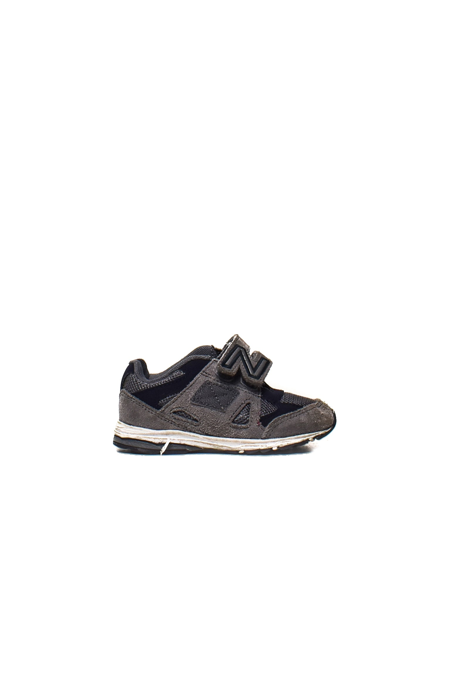 10006955 New Balance Kids~ Shoes EU 24 at Retykle