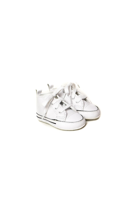 10008461 Converse Baby ~ Shoes 3-6M (US 2) at Retykle