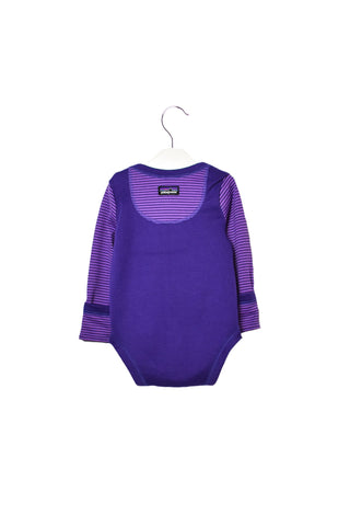 10017371 Patagonia Baby~Bodysuit and Pants Set 0-3M at Retykle