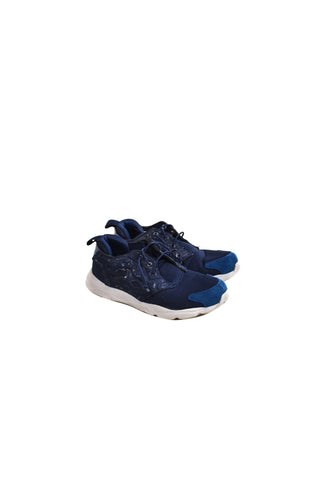 10018678 Reebok Kids~Shoes 7 (EU 32.5) at Retykle