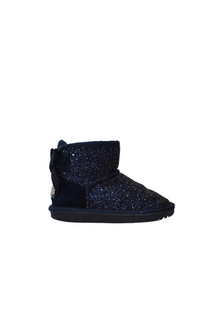 10027381 UGG Kids~Boots 6T-7 (EU 31) at Retykle