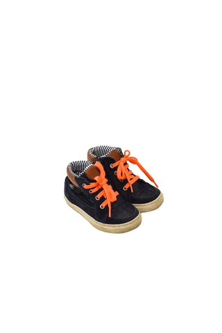 10027557 Petit Bateau Kids~Shoes 4T (EU 26) at Retykle