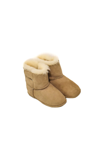 10027147 Ozwear UGG Baby~Boots 12-18M at Retykle