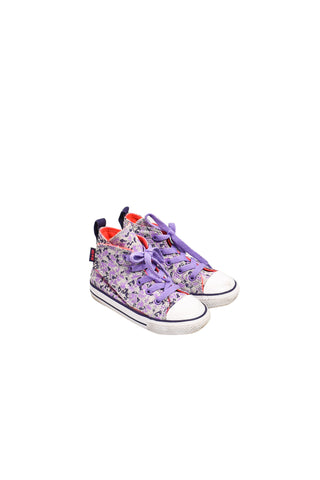 10032010 Converse Kids~Shoes 3T at Retykle