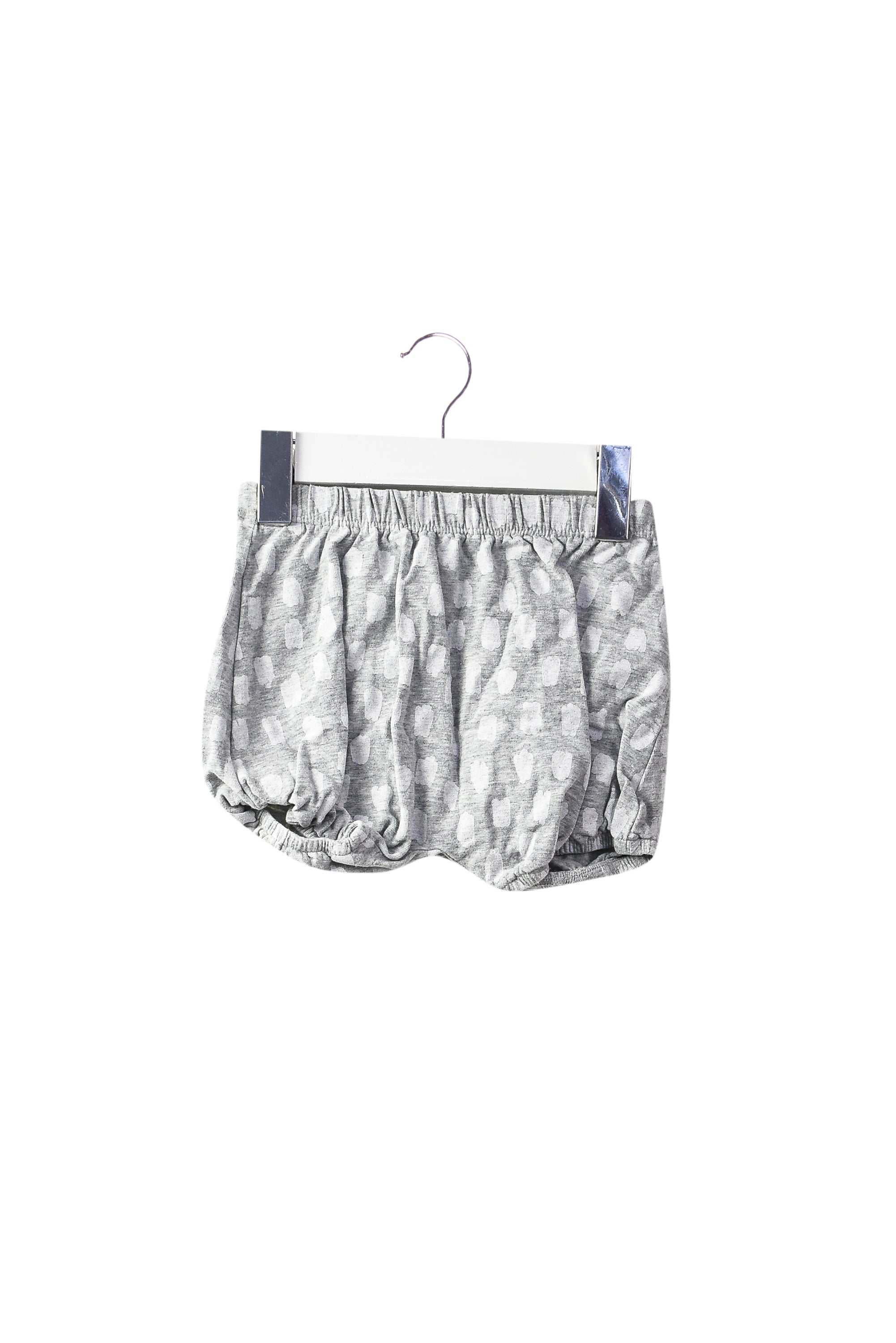 Shorts 3-6M at Retykle