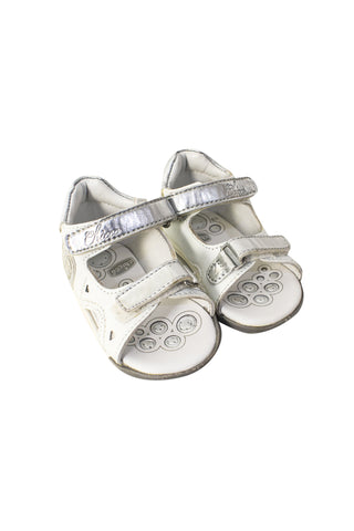 Sandals 12-18M (EU19) at Retykle