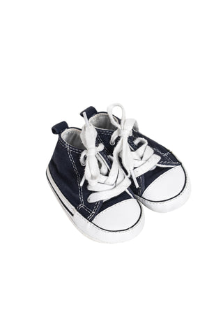 Sneakers 6-12M (EU18) at Retykle