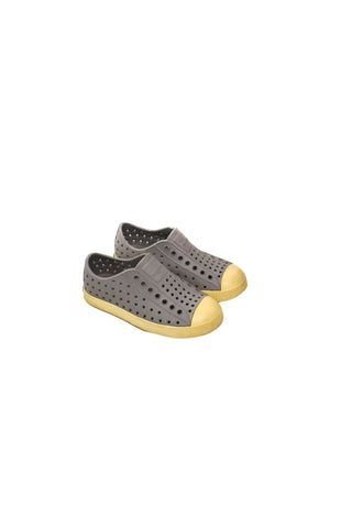 10028769 Native Shoes Kids~Shoes 5T (EU 28/29) at Retykle