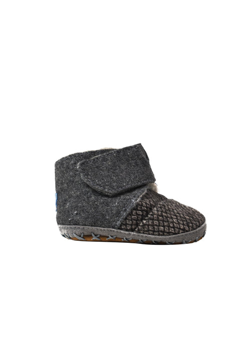 10046211 Toms Baby~Booties 0-3M (EU 16) at Retykle