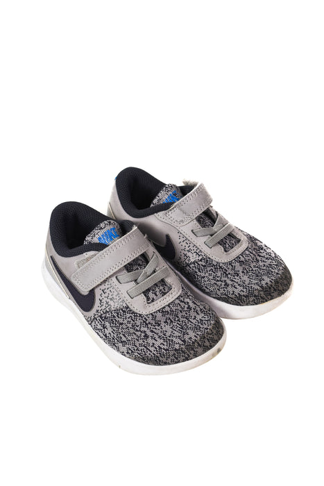 10046114 Nike Kids~Sneakers 4T (EU 26) at Retykle