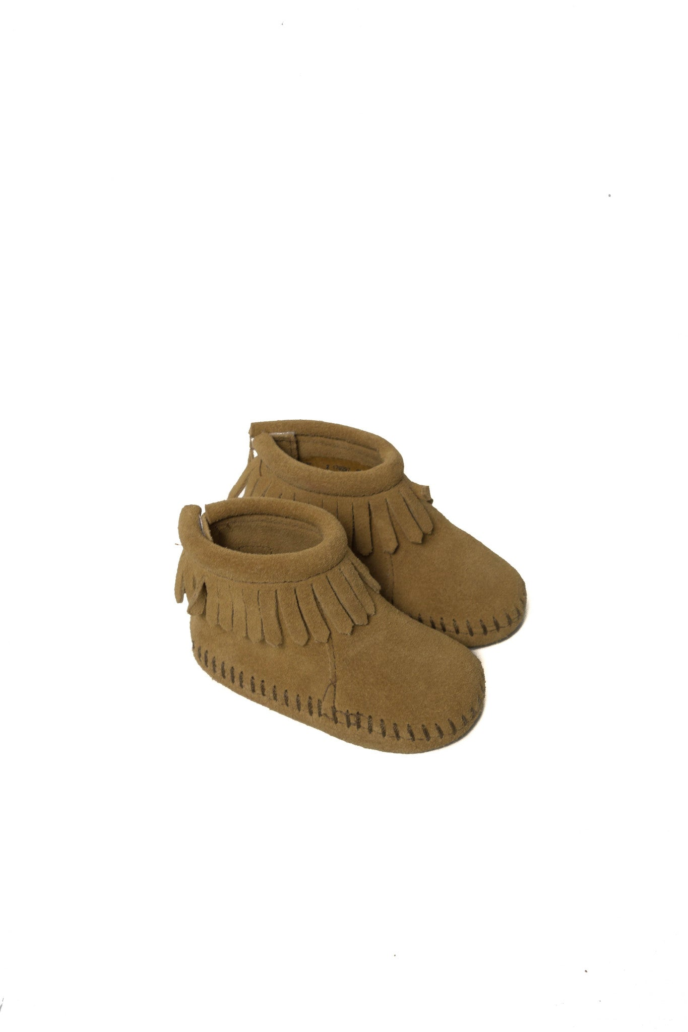 10002307 Minnetonka Baby~Shoes 3-6M (US 2) at Retykle