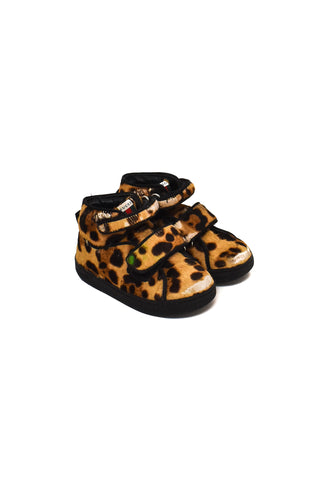 Shoes 18-24M (EU 22)