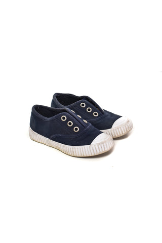 Shoes 2T (US 7)
