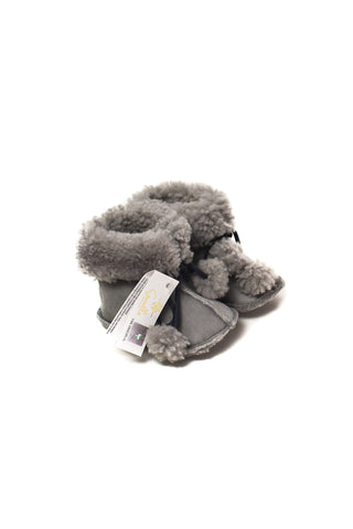 10005656 Gusella Baby~Boots 0-18M (EU 16-20) at Retykle