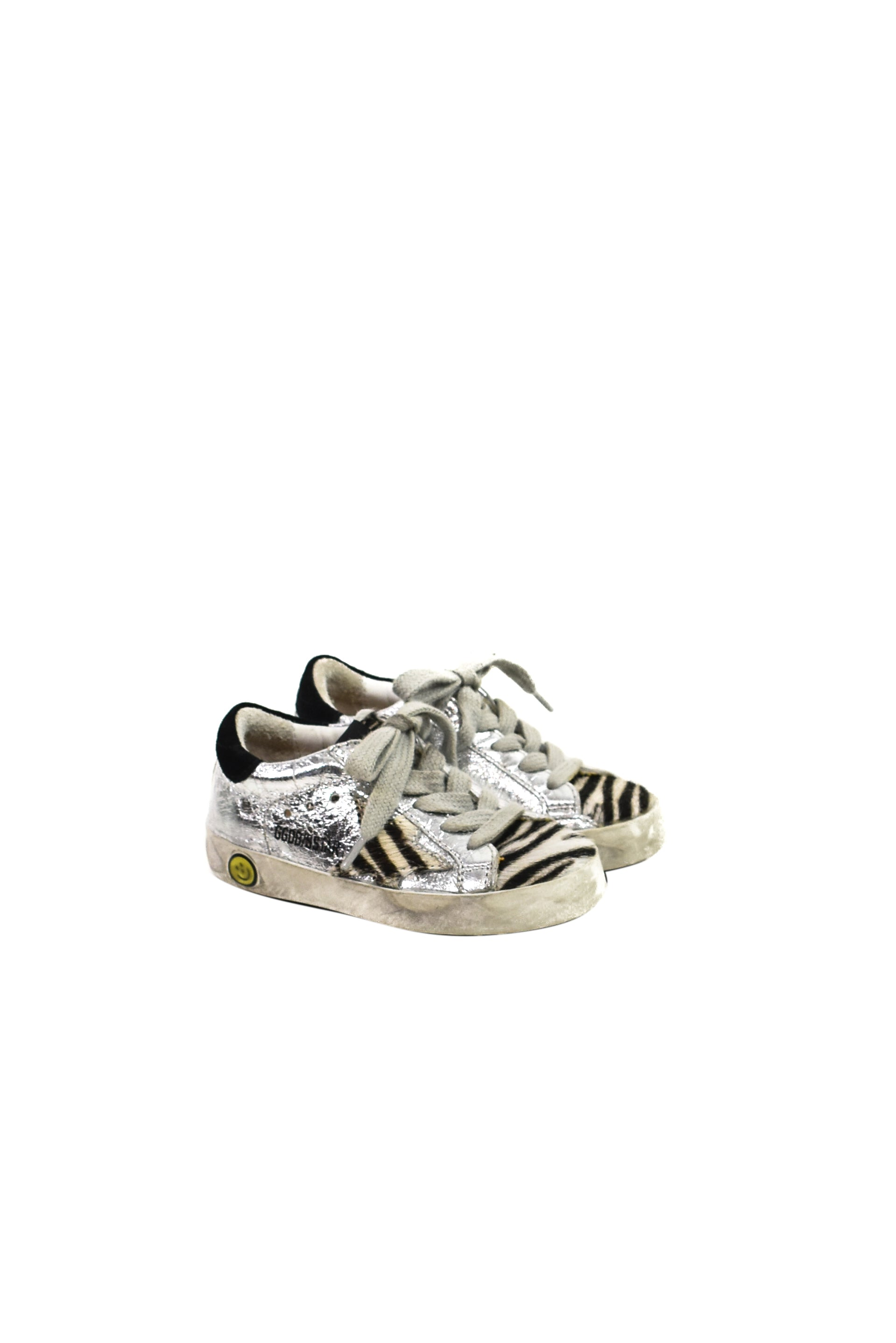 Golden Goose at up to 90% off at Retykle
