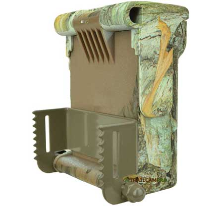 back view of the browning 940 wifi trail camera