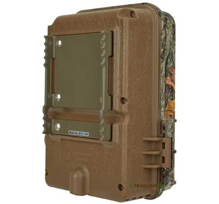 back view of the browning recon force 4k trail camera