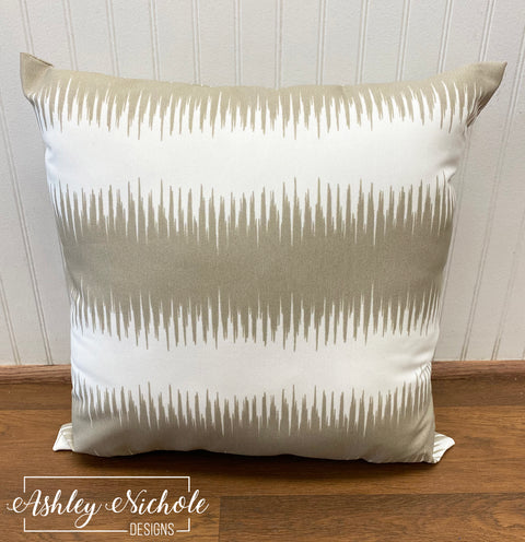 "18"" Outdoor Pillow Jiri Beachwood"