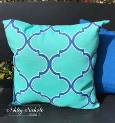 "18"" Outdoor Pillow-Turquoise and Blue Quatrefoil"