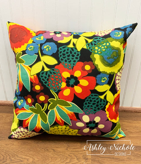 "18"" Outdoor Pillow - Swavelle Darnay Eclipse Fabric"