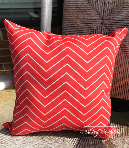 "18"" Outdoor Pillow-Coral & White Thin Line Chevron"