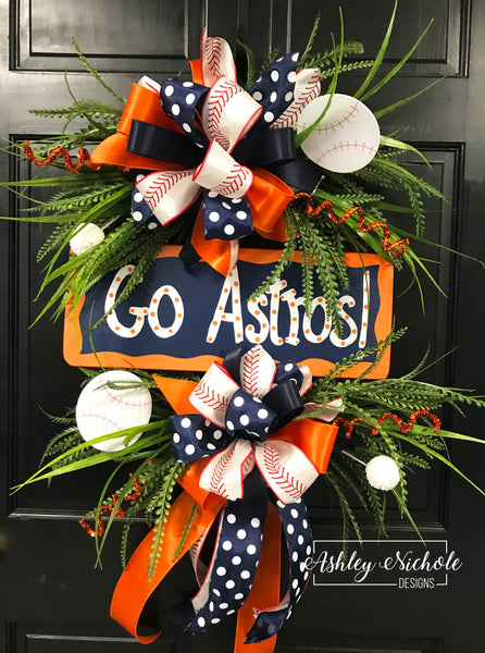 "18"" Round - Team Baseball Wreath"