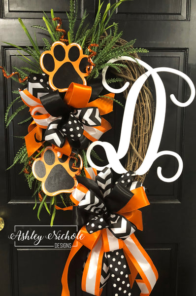 Paw Print Team Sports Wreath