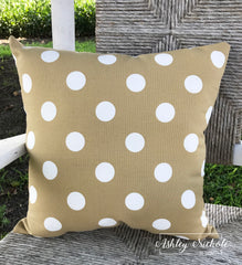 "18"" Outdoor Pillow-Polka Dot Tan"