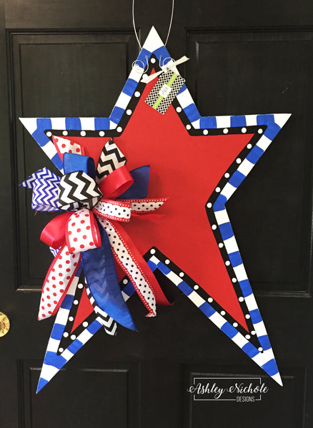Funky Star-Large-with Red Center Door Hanger
