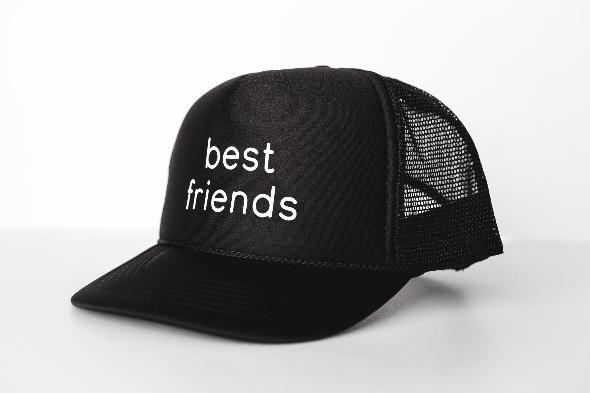 Best Friends (black) - Snapback Trucker Hat