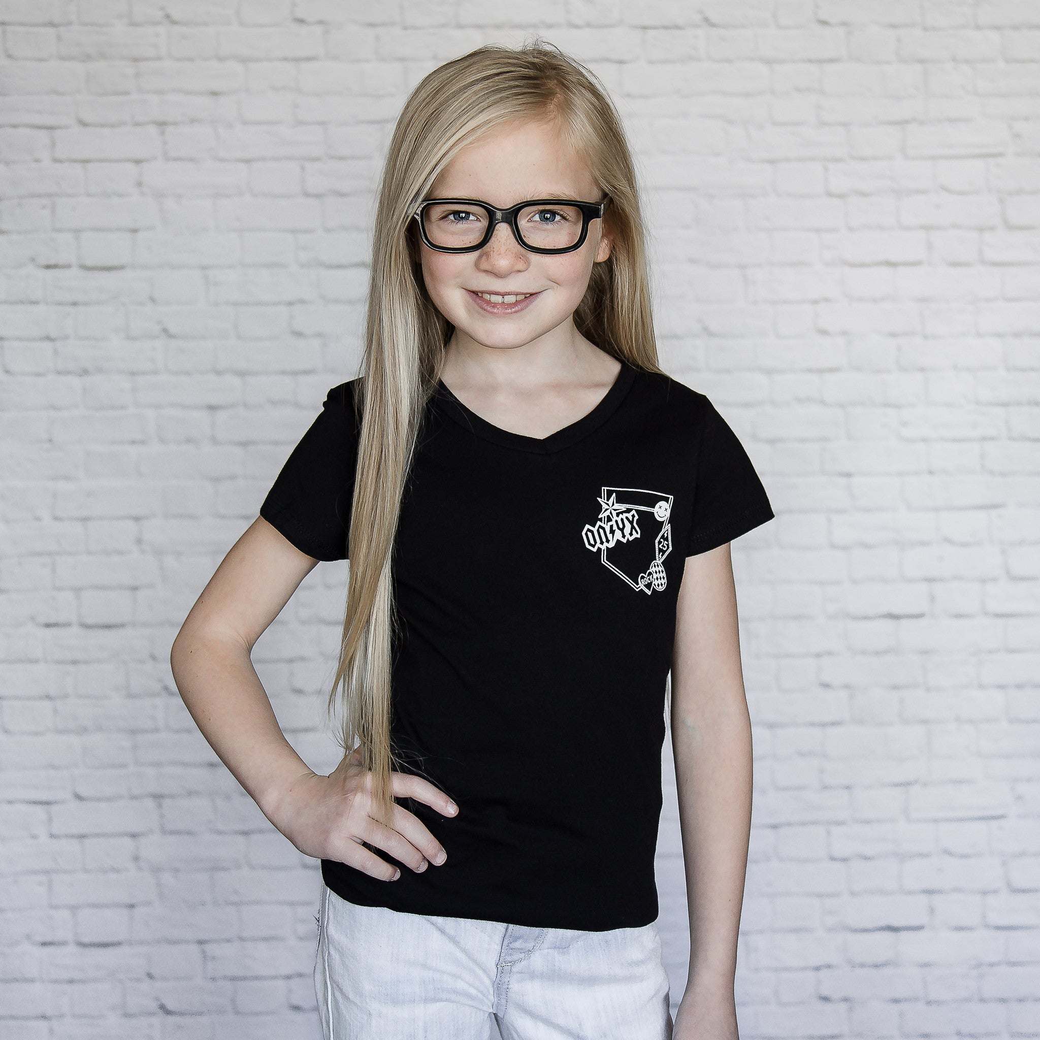 Patch - Faux Pocket V-neck Tee (Girls)