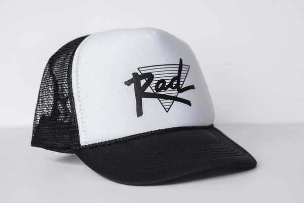 Rad (white) - Snapback Trucker Hat