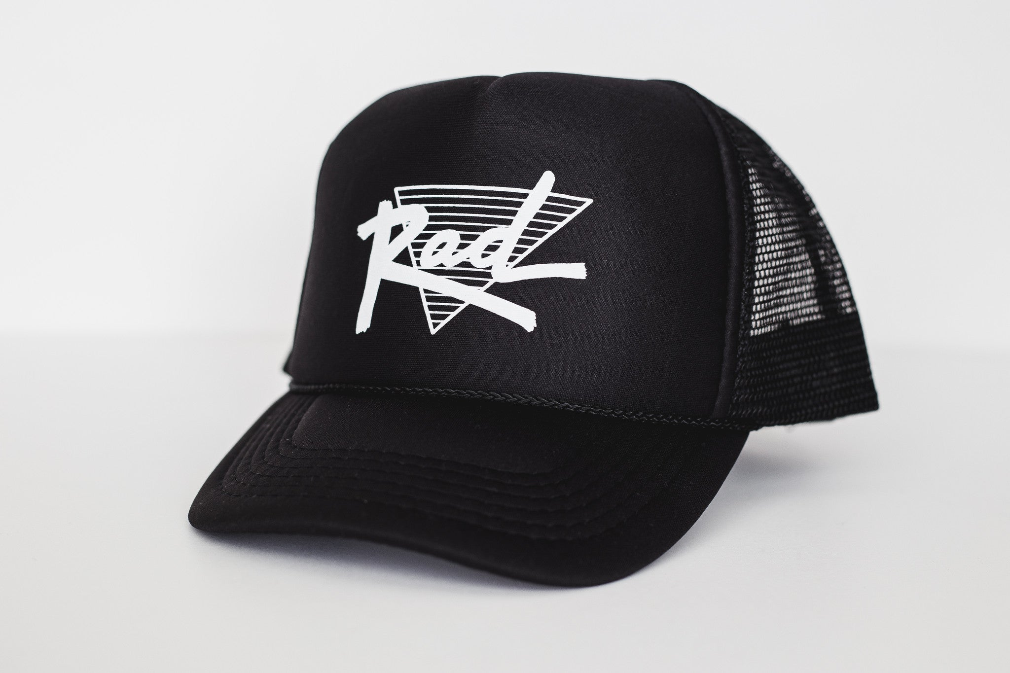 Rad (black) - Snapback Trucker Hat