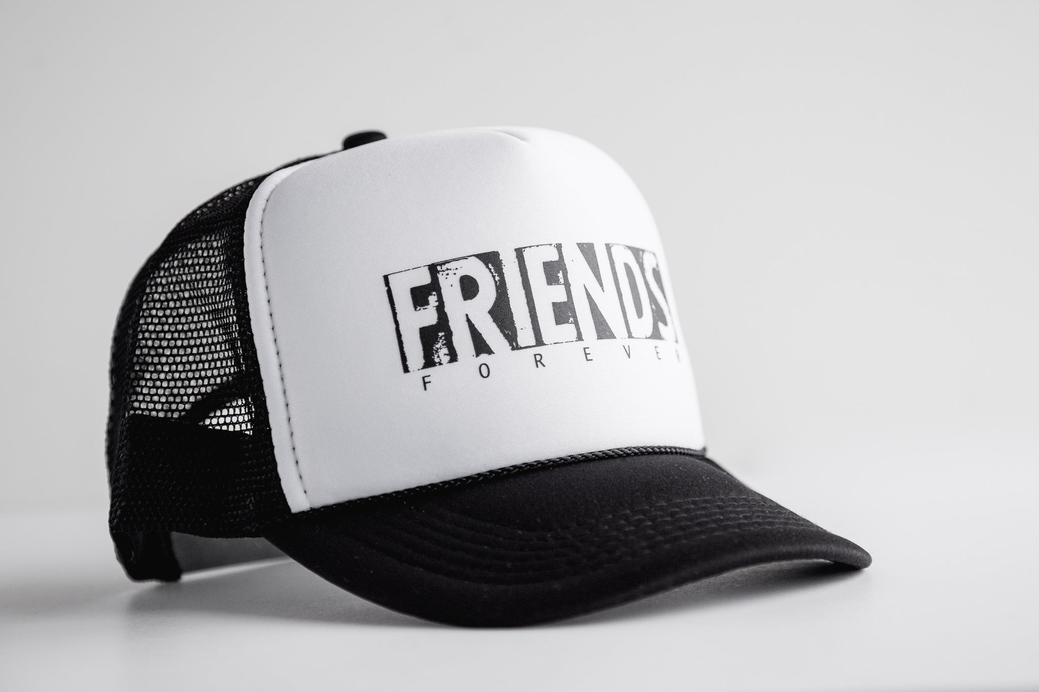Friends - Snapback Trucker Hat