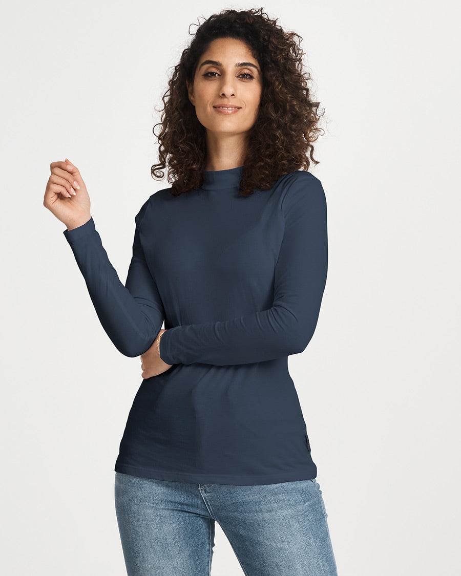 Citizen Wolf   Shop Womens Magic Fit Tees in Prussian Blue