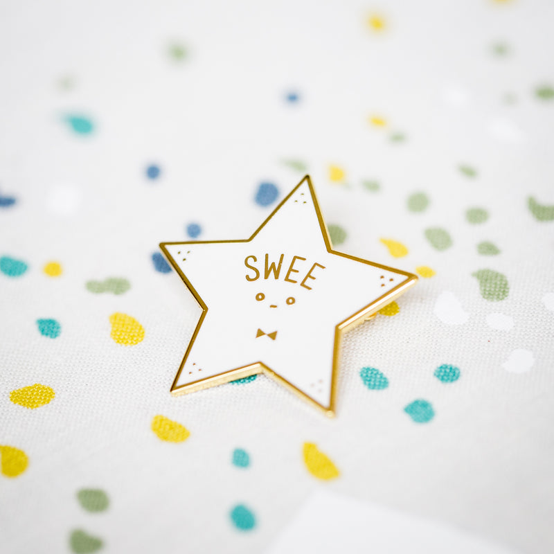 Swee Brooch (White)
