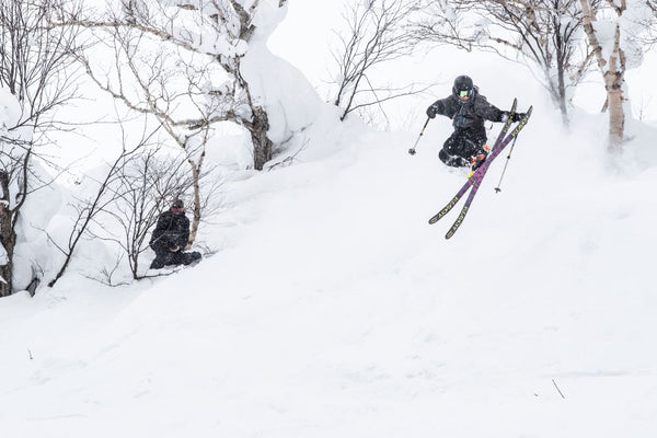 max meza grabs blunt in Niseko Japan