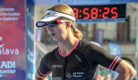 Emma wearing sol invictus sports sunglasses at the end of the Nice IronMan
