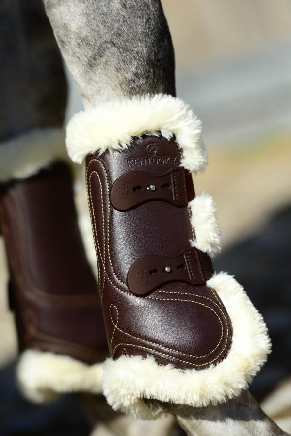 Leather Tendon boots with sheepskin