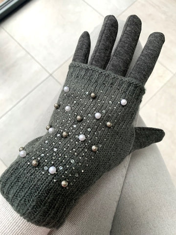 Grey 2 Piece Gloves Set
